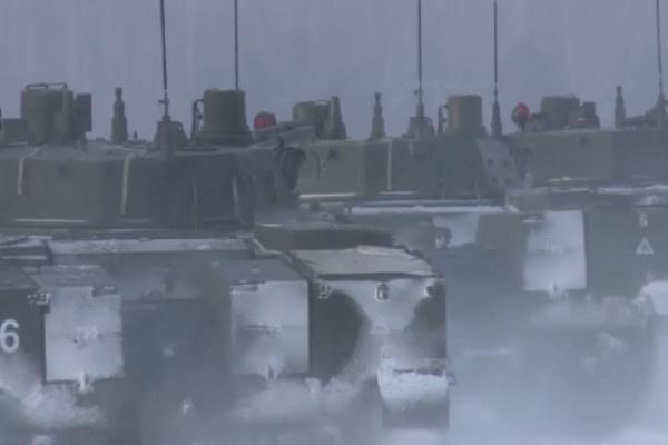 Во вторник, 21 февраля, на полигоне «Дубровичи» десантники соревновались в гонках на БМД