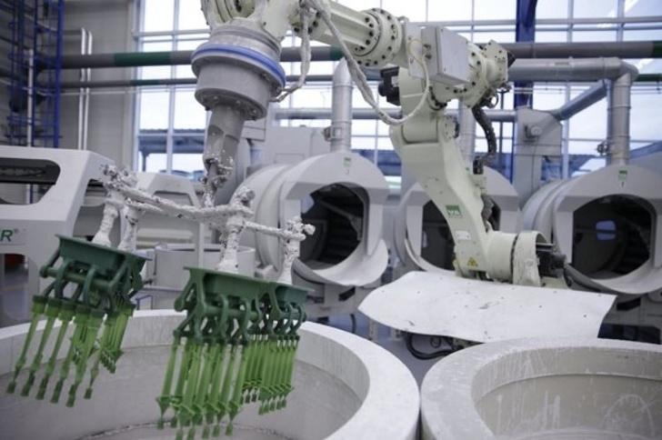Ростех открыл крупнейшее в России производство лопаток турбин для двигателей