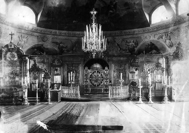 Вид интерьера Воскресенского собора