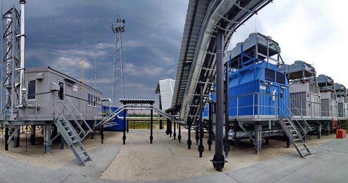 Установка подготовки топливного газа (слева) в составе газопоршневой электростанции