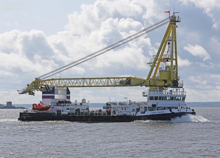 Второй плавкран проекта 02690 для Черноморского флота поднял флаг в Севастополе