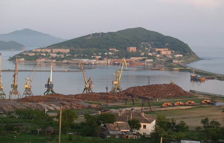 Компания «Дальневосточный зерновой терминал» приступила к углублению дна в бухте Троицы порта Зарубино