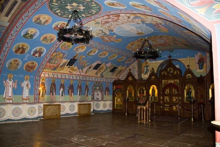 Храм во имя Архангела Михаила.