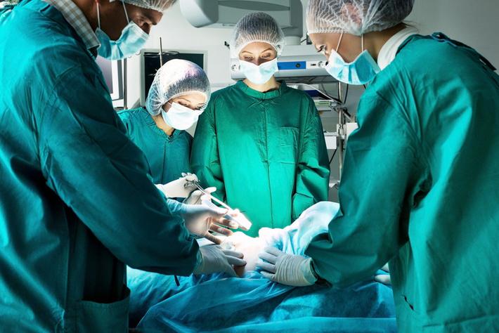 К чему снится видеть хирурга - то возможна смерть или тяжелая потеря.