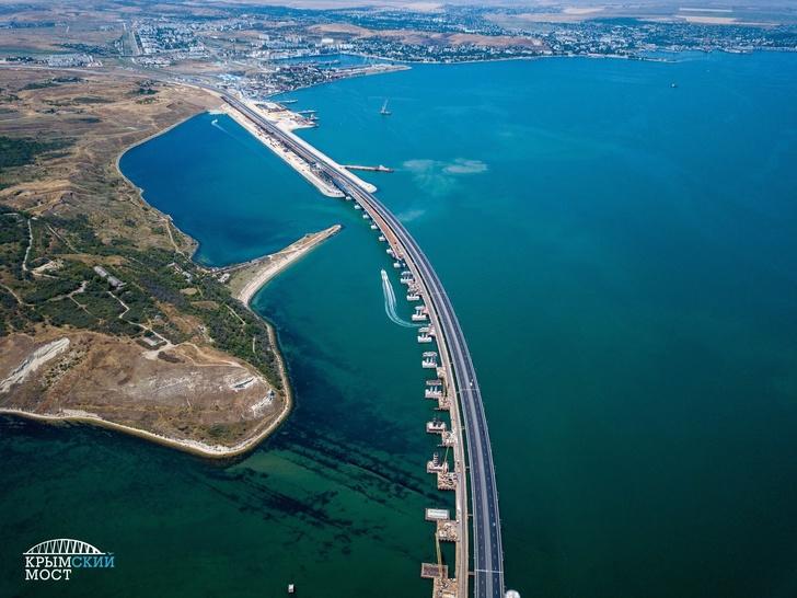 Свежие фотографии строительства железнодорожного Крымского моста