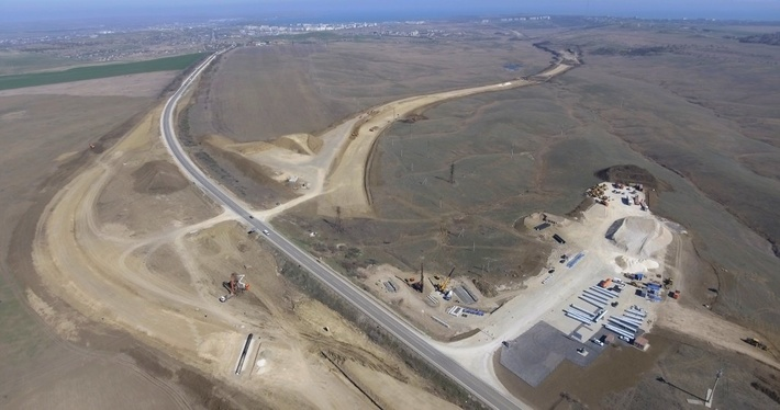 Строительство автомобильного подхода к Крымскому мосту