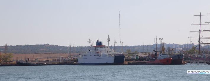 Порт «Крым» из пролива