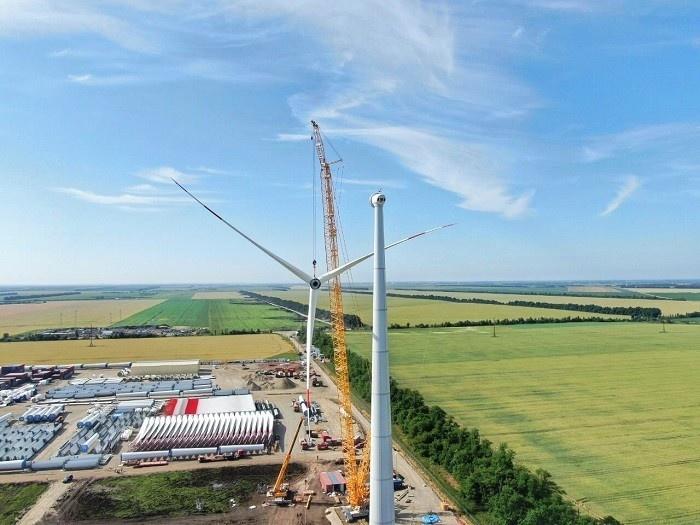На площадке Адыгейской ВЭС завершён монтаж первой ветроустановки