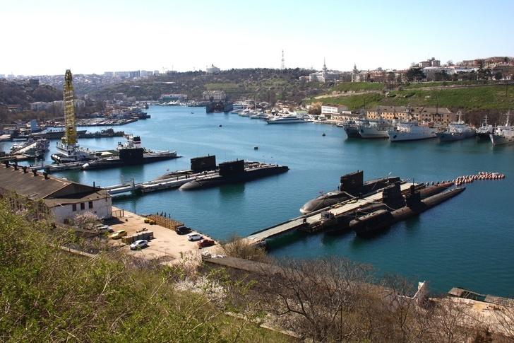 Подводные лодки в Южной бухте!
