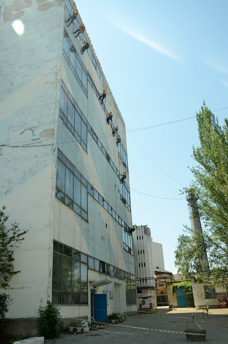 На территории феодосийского оптического завода
