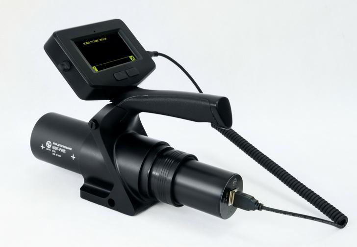 Возможность выбора: передача информации от блока детектирования к пульту по радиоканалу или через USB-кабель