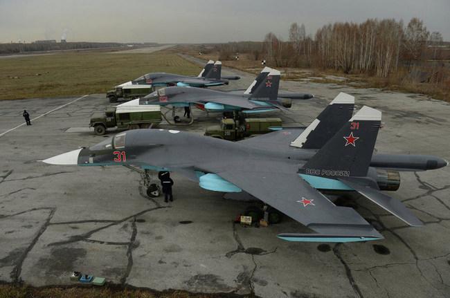 Передача Су-34 в Новосибирске: фото - Александр Кряжев - ria.ru
