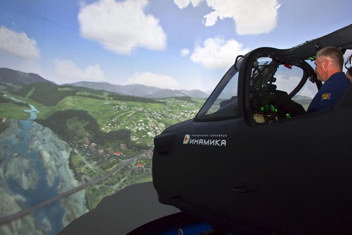 """Комплексный тренажер экипажа вертолета Ка-52 на стенде компании """"Динамика"""" на форуме Армия-2015"""