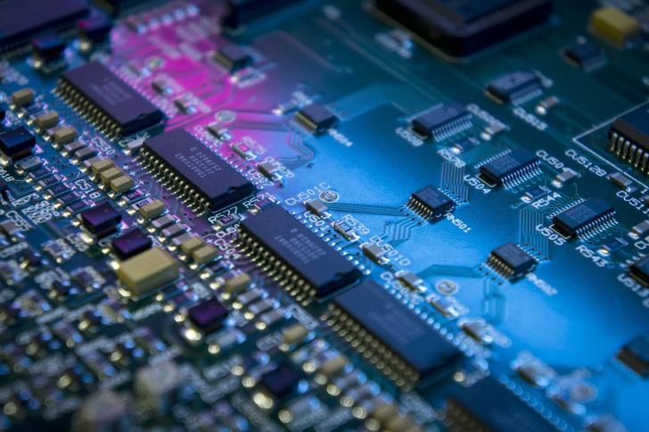 Ростех наладил серийный выпуск элементов, повышающих качество отечественных микросхем