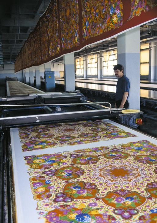 Цех печати многоцветных шалей