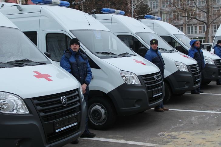Машины «Скорой помощи» и передвижные медицинские комплексы поступили в Пензенскую область