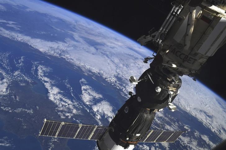 Пилотируемый корабль «Союз МС-07» успешно пристыковался к Международной космической станции. Корабль причалил к модулю «Рассвет» российского сегмента МКС.