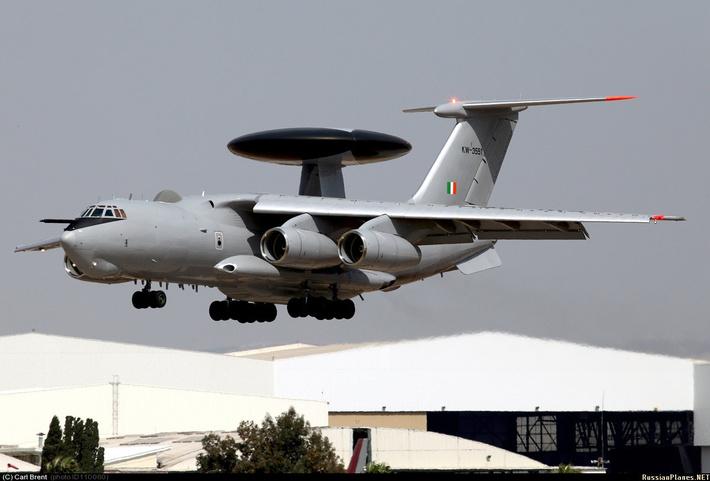 Самолет-разведчик НАТО с системой AWACS приземлился в Риге - Цензор.НЕТ 3288