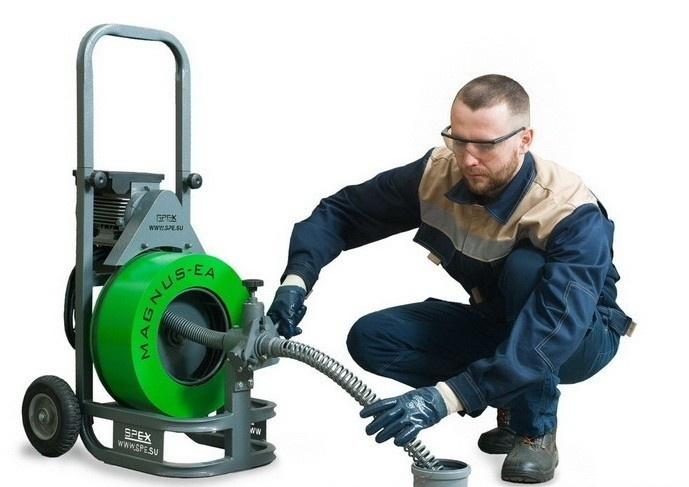 Аппарат MAGNUS-EA для прочистки труб канализации