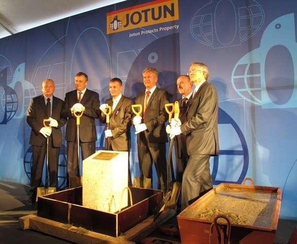2 октября на территории индустриального парка «Федоровское» Тосненского района состоялась торжественная Церемония закладки первого камня завода «Йотун» - крупнейшего мирового производителя лакокрасочных материалов