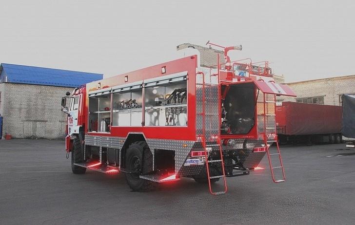 пожарная автоцистерна АЦ 2,7-40 на шасси КАМАЗ 4350
