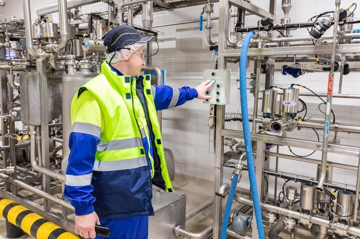 На Лианозовском молочном комбинате в Москве запущены новые линии по производству йогурта и творога