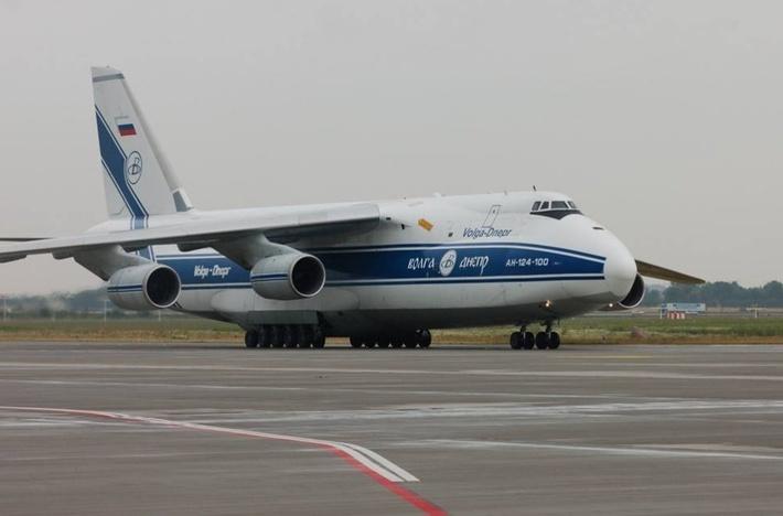 Авиакомпания «Волга-Днепр» доставила три телекоммуникационных спутника на космодром в Гвиане