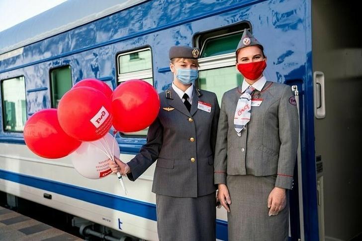 Новый туристический ретро-поезд «Сочи» начал курсировать по Черноморскому побережью