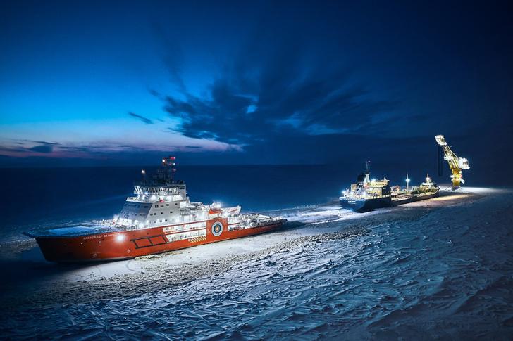 Ледоколы «Газпром нефти» начали круглогодичное сопровождение отгрузки арктической нефти