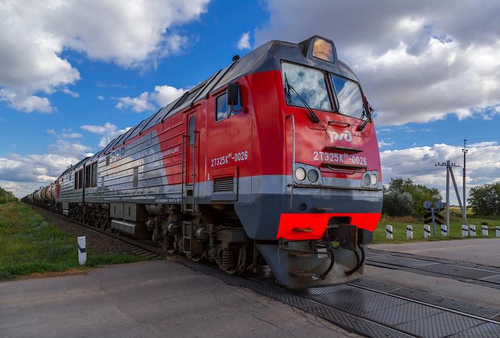 Восемь новых тепловозов 2ТЭ25КМ «Пересвет» вышли на линию депо Ульяновска