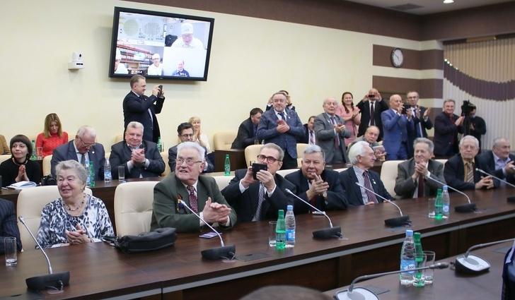 Выработка электроэнергии на Ленинградской АЭС достигла 1 триллион киловатт-час