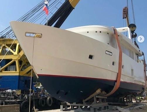 "На СЗ ""Popilov Yachts"" спустили на воду новую яхту проекта 19.99"