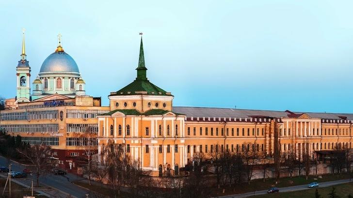 Корпуса КЭАЗ в центре Курска, где раньше располагались производственные цеха