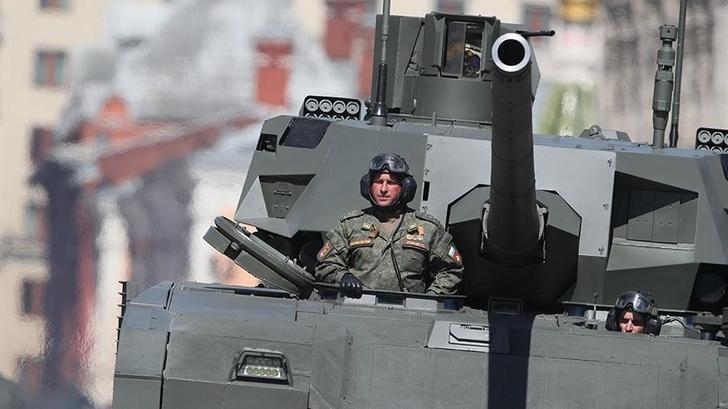 Танк Т-14 «Армата» вышел в серийное производство