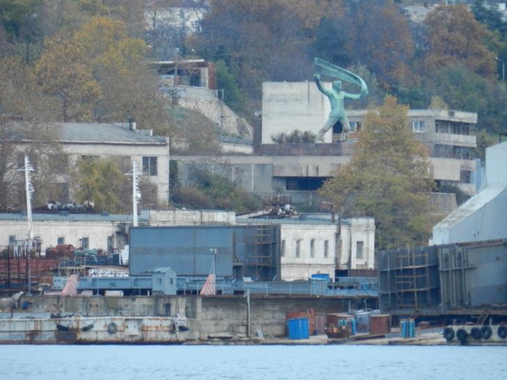 Строительство плавкранов в Севастополе