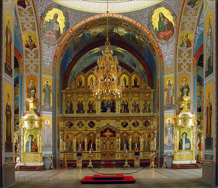 Нижний этаж собора освящен в честь Сергия и Германа Валаамских.