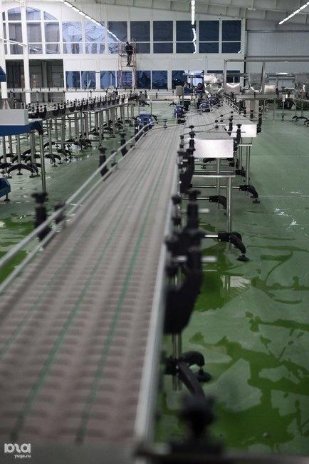 завод на стадии монтажа линий