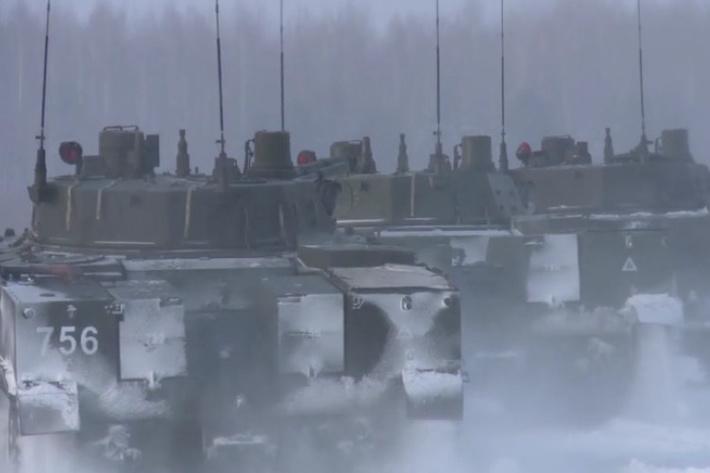 На полигоне под Рязанью десантники начали осваивать новейшие БМД-4М.
