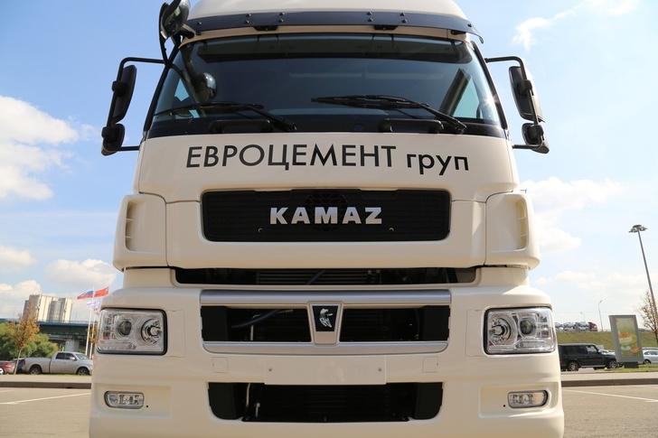 «Евроцемент груп» завершил модернизацию «Пикалевского цемента» и приобрел 1000 КАМАЗов