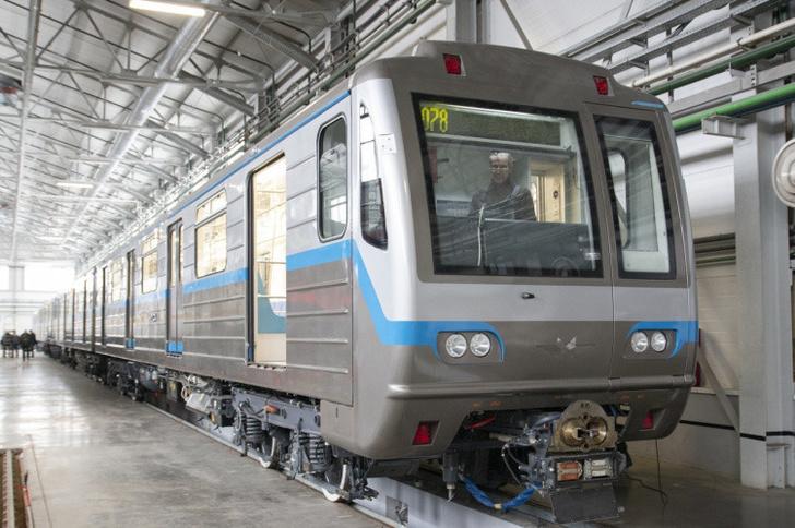 Трансмашхолдинг отправил вагоны метро в Екатеринбургский метрополитен