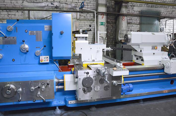 Токарно-винторезный станок РТ117 РМЦ-3000