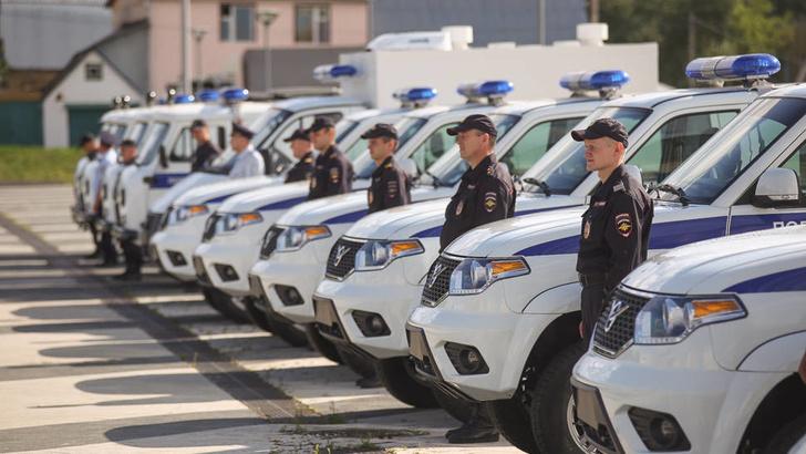 Подразделения пензенской полиции получили новые служебные автомобили