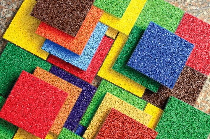 Резиновая плитка разных цветов