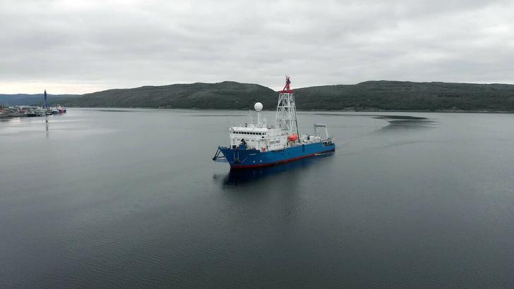 Российское научно-исследовательское инженерное судно «БАВЕНИТ»