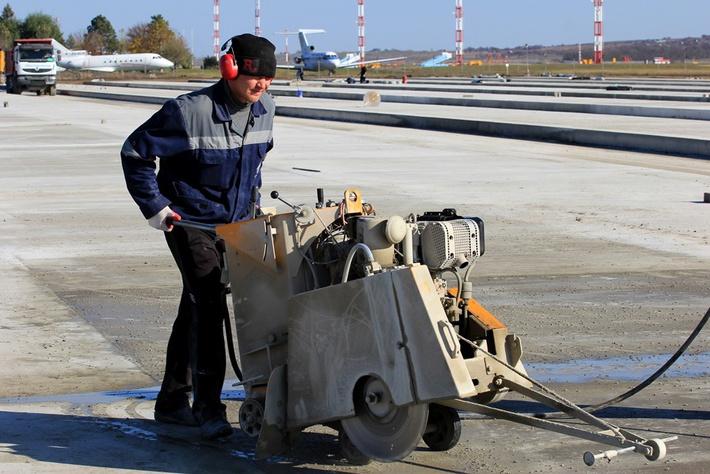 Нарезка швов в бетоне - обязательный вид работ