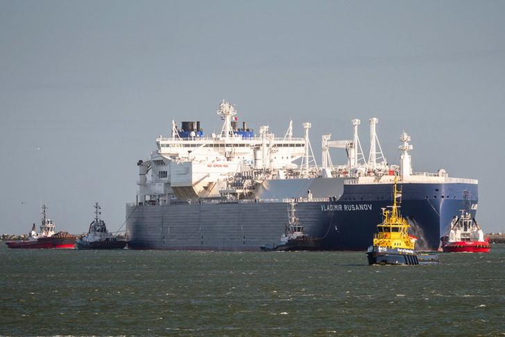 Новатэк впервые поставил СПГ по Северному морскому пути через Дальний Восток