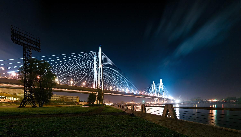 Вантовый мост город ночь загрузить