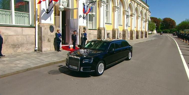 """Номери для лімузина Путіна раніше використовували на """"Волзі"""" і українському Daewoo - Цензор.НЕТ 5404"""