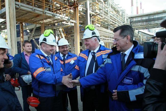 На газоперерабатывающем заводе. выход. стало возможным с выводом на проектный. на новый технологический режим...