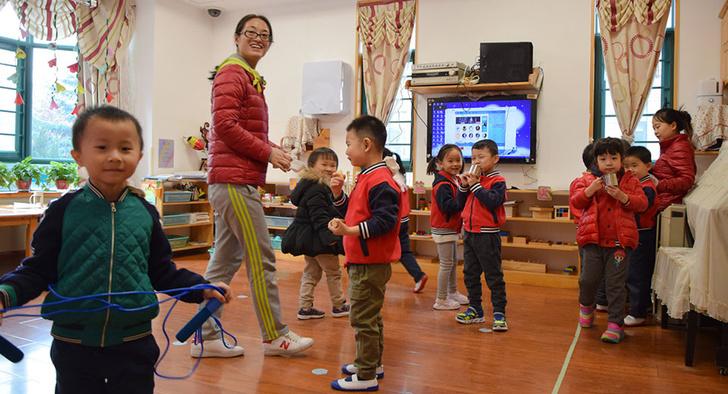 "В китайском детском саду. На стене на заднем плане - бризер ""Тион"". Фото: компания ""Тион"""